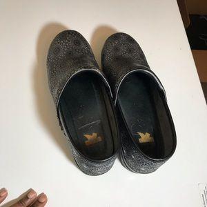 Dansko Clogs Silver Medallion Professional Shoe